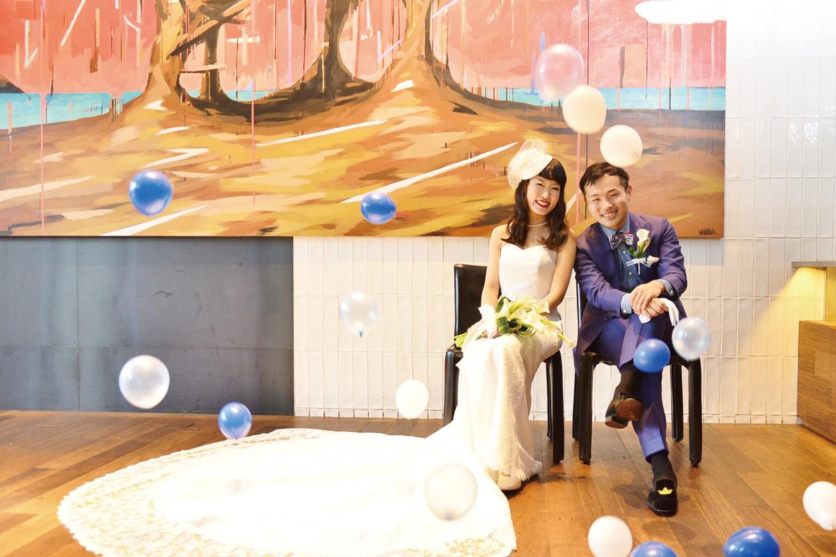 結婚式のイメージカット、バルーンを飛ばしてお洒落に。