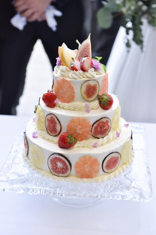 ウェディングケーキも全て手作りで。希望通りに仕上げます!