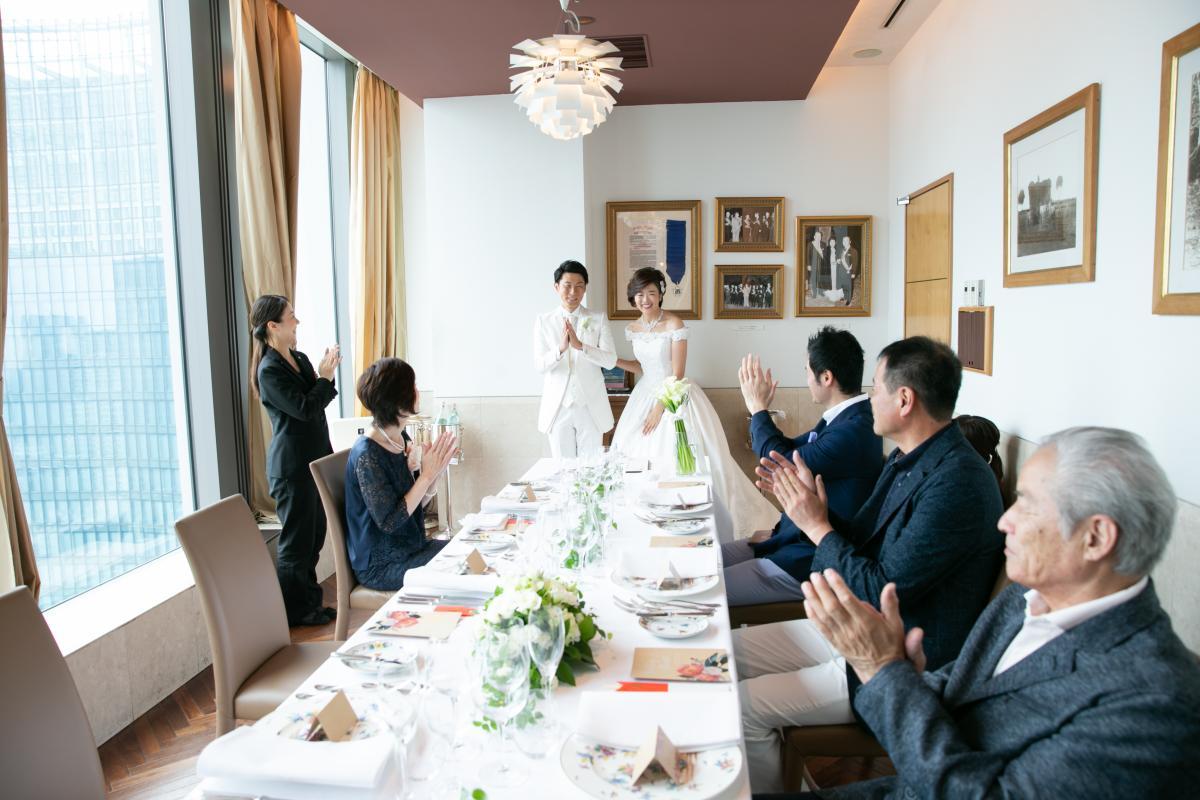 家族だけで婚姻式。アットホームな雰囲気が人気。