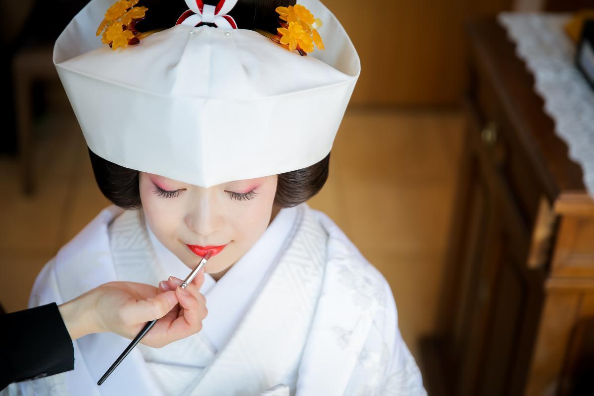神社での神前式も人気。多くの神社様の婚礼をお手伝いしています。